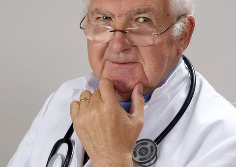 doctor-2337835_640